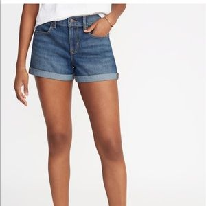 Size 4 Old Navy Semi Fitted Stretch Jean Short